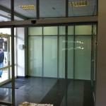 Автоматические раздвижные стеклянные двери в торговый центр