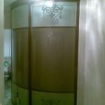 Раздвижные, радиусные двери с пескоструйным рисунком