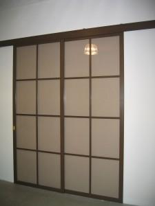 Раздвижная дверь «Престиж» с вертикальным переплетом