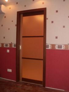 Одно-дверная раздвижная дверь