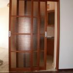 Трех-дверная раздвижная дверь